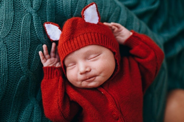 Which colors are best for baby clothes